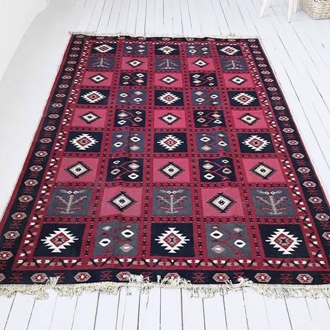 Carpet / Kilim
